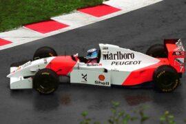 Mika Hakkinen spins in the McLaren MP4/9 with Peugeot engine (1994).