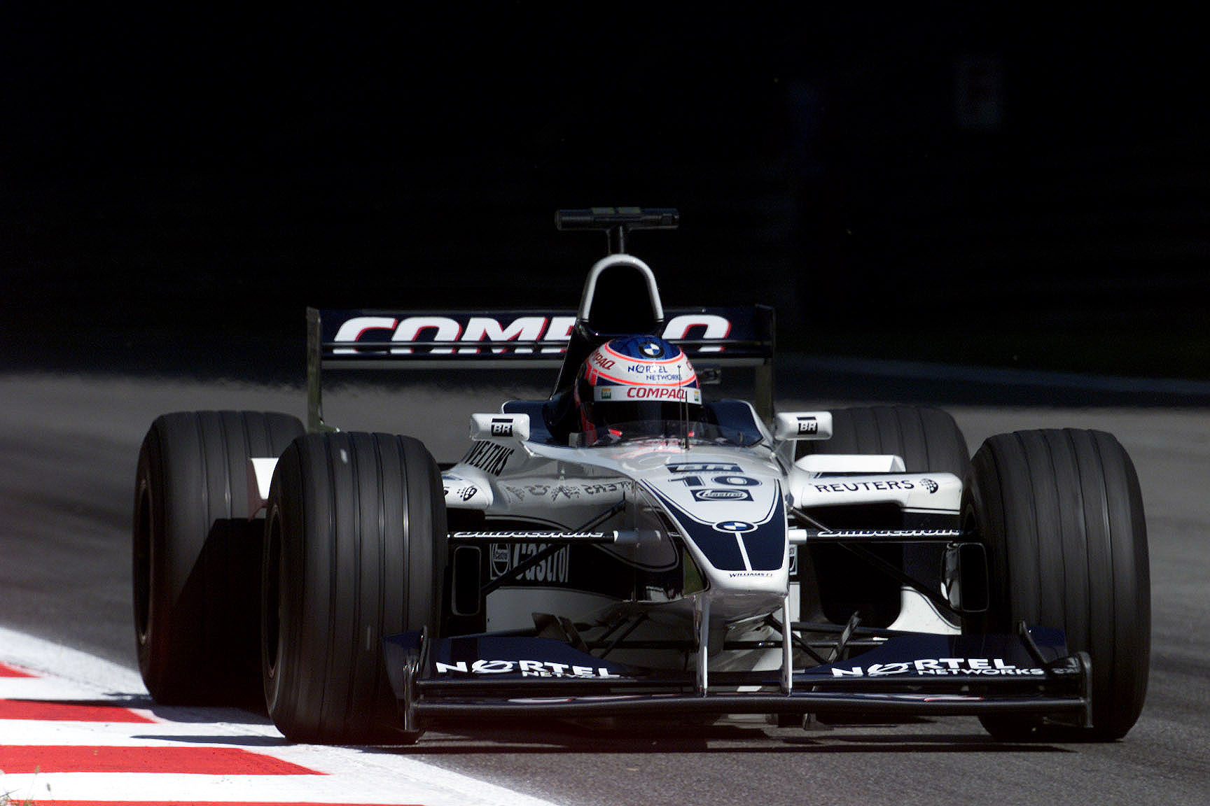 Jenson Button driving the Williams FW22 BMW during Italian F1 GP on Monza (2000)