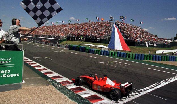 Michael Schumacher wins 2001 France F1 GP