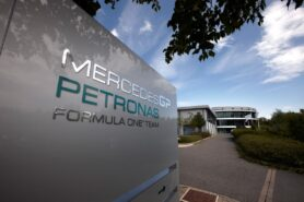 Staying in F1 'worthwhile' says Mercedes CEO