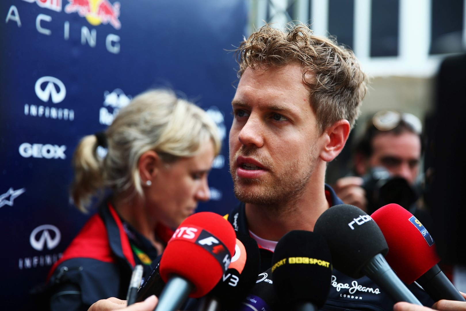 Sebastian Vettel urges to rethink F1 tyre plan