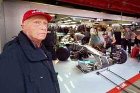 Son: No date set for Lauda's F1 return