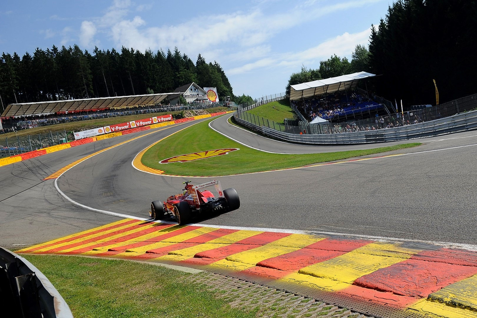Alonso going into Au Rouge at Spa