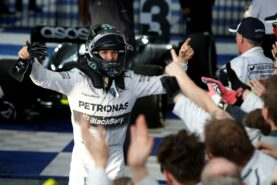 Nico Rosberg wins