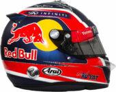 2015 Daniil Kvyat helmet