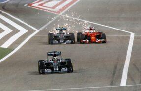 Nico Rosberg VS Sebastian Vettel with a lot of spraks