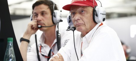 Lauda still scheduled to leave hospital next week