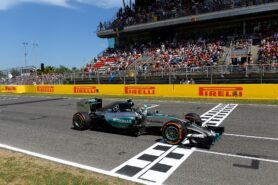 Nico Rosberg wins with the Mercedes W06