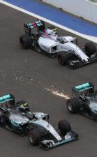 Lewis Hamilton VS Nico Rosberg on the track