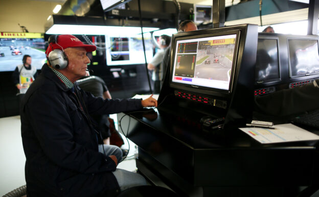Family to return Lauda's team stake to Mercedes