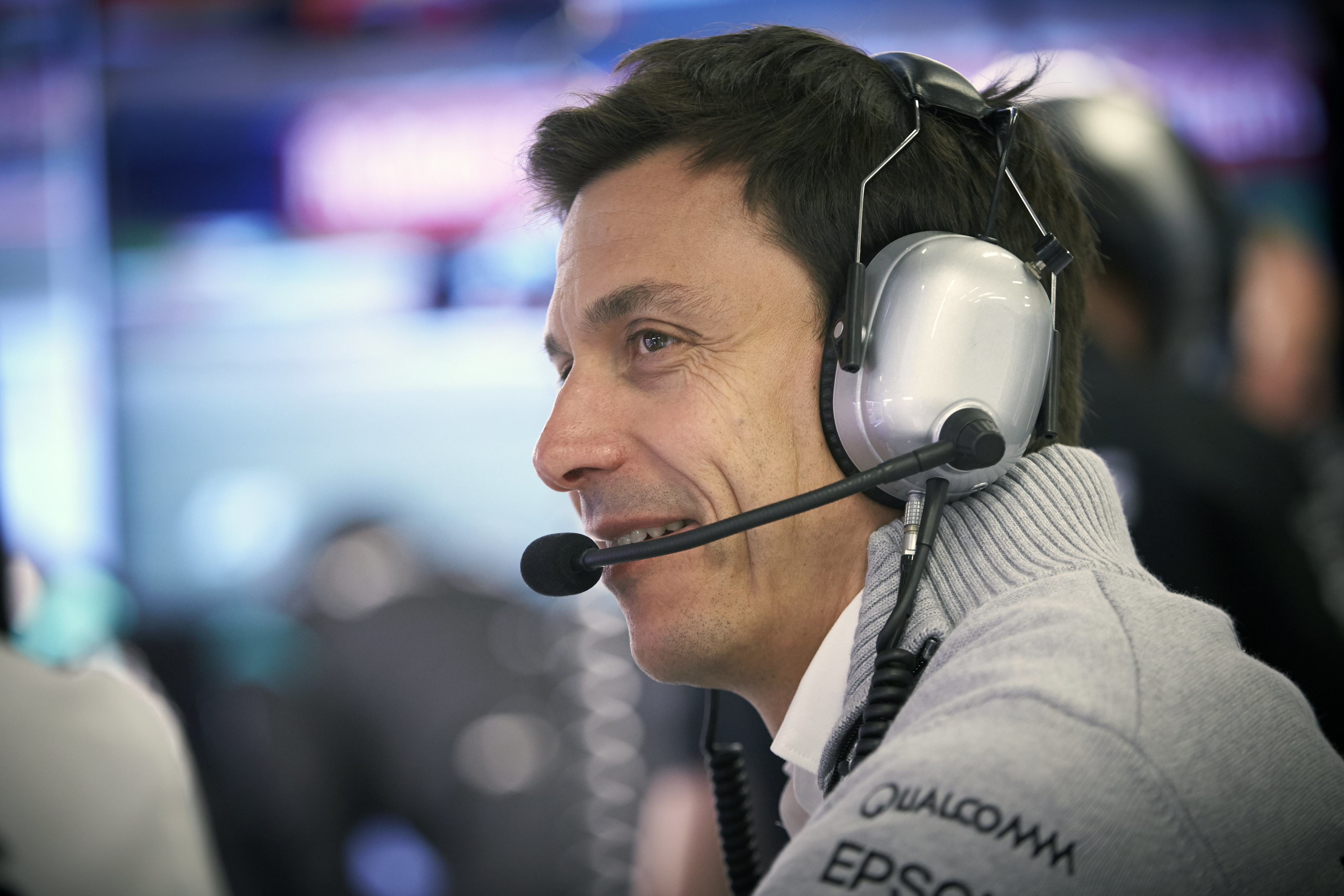 Wolff set to 'stay' with Mercedes