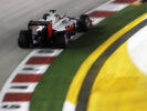 Haas rounds a corner at Singapore GP F1/2016