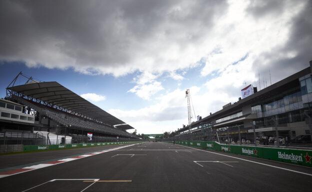 Autodromo Hernandes Rodriguez start grid