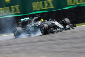 Lewis Hamilton locking up his right-front during qualifying for the 2016 Brazilian GP
