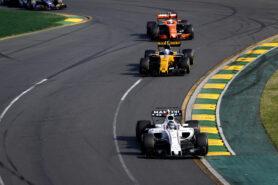 Albert Park, Melbourne, Australia. Sunday 26 March 2017. Lance Stroll, Williams FW40 Mercedes, leads Jolyon Palmer, Renault R.S.17, and Stoffel Vandoorne, McLaren MCL32 Honda.