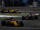 Nico Hulkenberg (GER) Renault Sport F1 Team RS17. Bahrain Grand Prix, Sunday 17th April 2017. Sakhir, Bahrain.