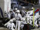 Bahrain International Circuit, Sakhir, Bahrain. Sunday 16 April 2017. Lance Stroll, Williams FW40 Mercedes, makes a pit stop.