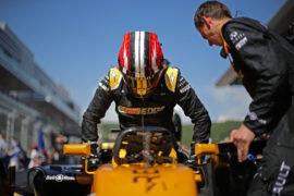 Nico Hulkenberg (GER) Renault Sport F1 Team RS17 on the grid. Russian Grand Prix, Sunday 30th April 2017. Sochi Autodrom, Sochi, Russia.