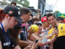 Jolyon Palmer (GBR) Renault Sport F1 Team signs autographs for the fans. Italian Grand Prix, Thursday 31st August 2017. Monza Italy.