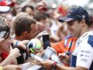 Autodromo Nazionale di Monza, Italy. Thursday 31 August 2017. Felipe Massa, Williams Martini Racing, signs autographs for fans.