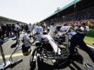 Autodromo Nazionale di Monza, Italy. Sunday 3 September 2017. The team prepare the car of Felipe Massa, Williams FW40 Mercedes, on the grid.