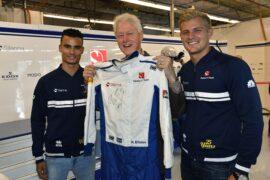 Marcus Ericsson (SWE) Sauber F1 Team. Bill Clinton (USA) Former American President. Pascal Wehrlein (D), Sauber F1 Team Circuit of the Americas USGP 2017
