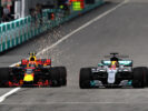 Max Verstappen & Lewis Hamilton on track Malaysian GP F1/2017