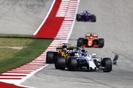 Circuit of the Americas, Austin, Texas, United States of America. Sunday 22 October 2017. Lance Stroll, Williams FW40 Mercedes, leads Nico Hulkenberg, Renault R.S.17.
