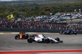 Circuit of the Americas, Austin, Texas, United States of America. Sunday 22 October 2017. Lance Stroll, Williams FW40 Mercedes, leads Stoffel Vandoorne, McLaren MCL32 Honda.