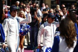 Circuit of the Americas, Austin, Texas, United States of America. Sunday 22 October 2017. Lance Stroll, Williams Martini Racing, and Felipe Massa, Williams Martini Racing, are introduced on the grid.