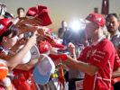 Sebastian Vettel Ferrari with fans GP ABU DHABI F1/2017