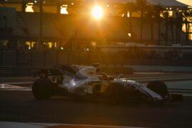 Yas Marina Circuit, Abu Dhabi, United Arab Emirates. Wednesday 29 November 2017. Robert Kubica, Williams FW40 Mercedes.