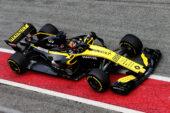 Carlos Sainz Jr testing the Renault RS18.