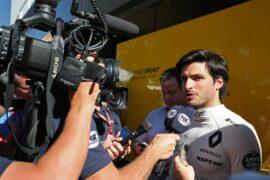 Carlos Sainz Jr (ESP) Renault Sport F1 Team with the media. Australian Grand Prix, Thursday 22nd March 2018. Albert Park, Melbourne, Australia.