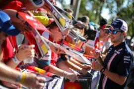 Sergio Perez (MEX) Sahara Force India F1 signs autographs for the fans. Australian Grand Prix, Thursday 22nd March 2018. Albert Park, Melbourne, Australia.