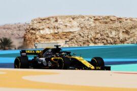 Nico Hulkenberg (GER) Renault Sport F1 Team RS18. Bahrain Grand Prix, Friday 6th April 2018. Sakhir, Bahrain.
