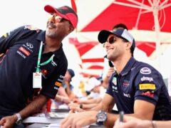 Daniel Ricciardo Red Bull with fans Bahrain GP F1/2018
