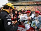 Carlos Sainz Jr Renault signs autographs for the fans. Chinese Grand Prix 2018