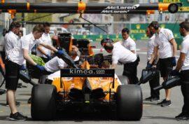 Baku City Circuit, Baku, Azerbaijan. Fernando Alonso, McLaren MCL33 Renault, in the pits.