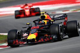 Max Verstappen leads Sebastian Vettel on track during the Spanish GP F1/2018.