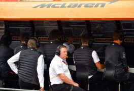 Circuit de Catalunya-Barcelona, Spain 2018. Zak Brown, Executive Director, McLaren Technology Group, and the team on the pit wall.