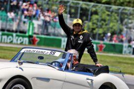Carlos Sainz Jr (ESP) Renault Sport F1 Team on the drivers parade. Canadian Grand Prix, Sunday 10th June 2018. Montreal, Canada.