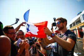Romain Grosjean Haas with fans French GP F1/2018