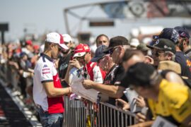 Marcus Ericsson (SWE) Alfa Romeo Sauber F1 Team signs autographs for the fans at Formula One World Championship, Rd8, French Grand Prix, Preparations, Paul Ricard, France, Thursday 21 June 2018.