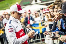 Marcus Ericsson (SWE) Alfa Romeo Sauber F1 Team signs autographs for the fans at Formula One World Championship, Rd9, Austrian Grand Prix, Preparations, Spielberg, Austria, Thursday 28 June 2018.
