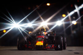 Max Verstappen of the Netherlands driving the (33) Aston Martin Red Bull Racing RB14 TAG Heuer on track during the Formula One Grand Prix of Singapore 2018.