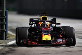 Daniel Ricciardo of Red Bull Racing RB14 TAG Heuer on track during the Formula One Grand Prix of Singapore 2018.