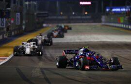 Pierre Gasly of Scuderia Toro Rosso driving the (10) Scuderia Toro Rosso STR13 Honda on track during the Formula One Grand Prix of Singapore 2018.