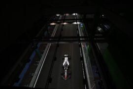 Romain Grosjean leaves pit lane for qualifying Singapore GP F1/2018