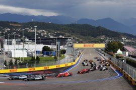 Cars on track Russian GP - Pirelli F1/2018